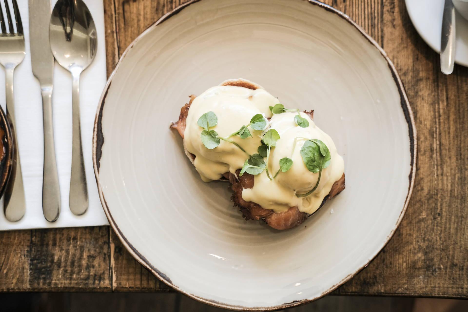 Brunch | Eggs Royale